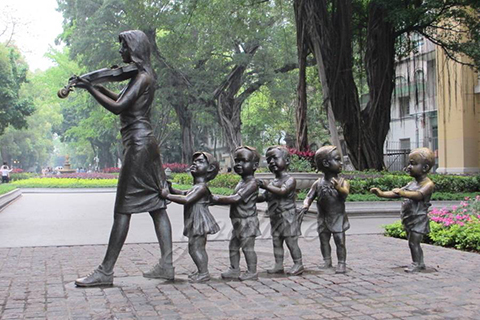 Street Art Decorative Sculptures with Some Children in Antique Bronze