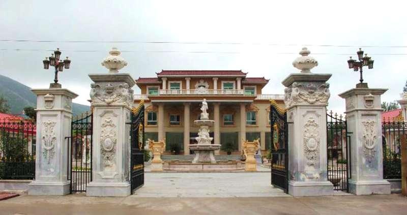 MacArthur Leyte-Landing Memorial Sculptures for Sale