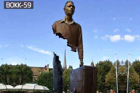 Factory Supply Urban Bronze Male Traveler Sculpture BOKK-59
