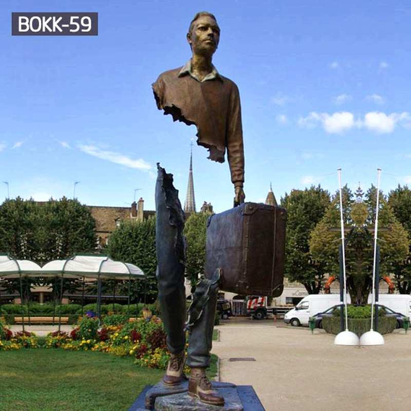 Factory Supply Urban Bronze Male Traveler Sculpture
