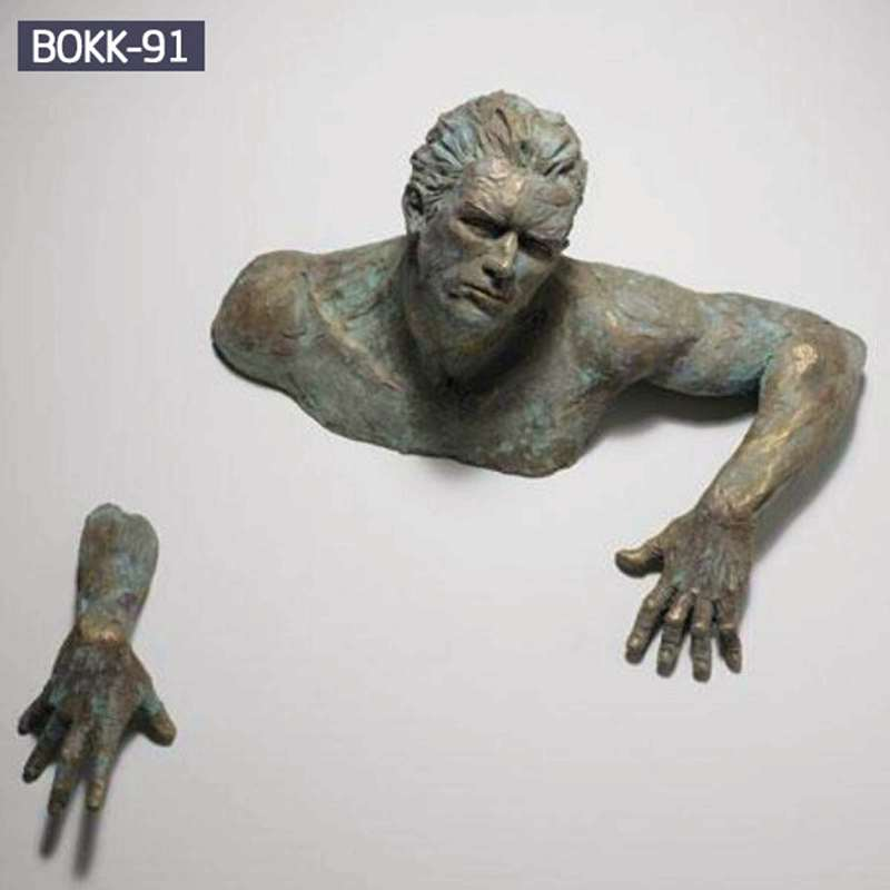 Wholesale Creative Bronze Figure Sculpture of Climbing Man