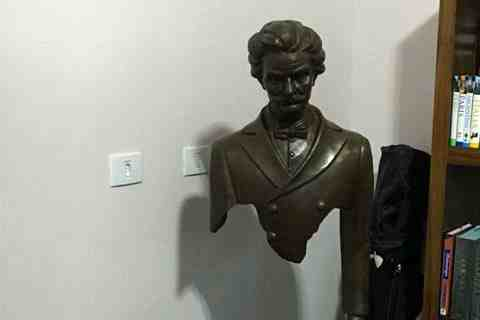 life size Famous Bronze Traveler Sculpture for Sale BOKK-06